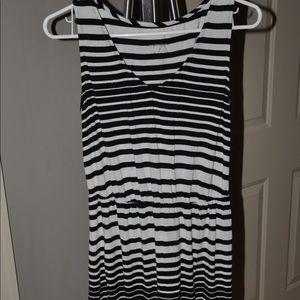 Size M short striped dress